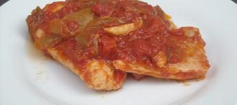 Japuta o palometa con tomate