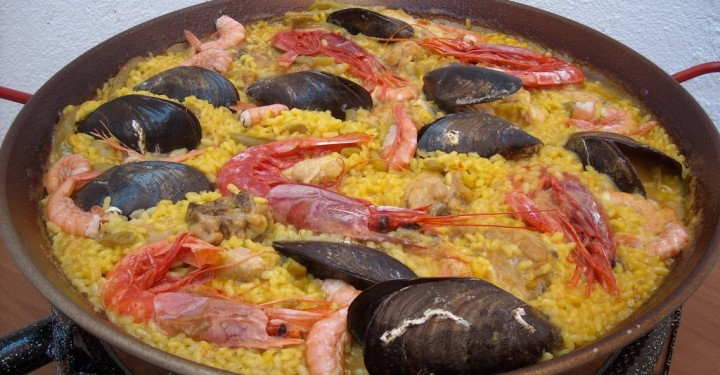 Paella Valenciana Mixta