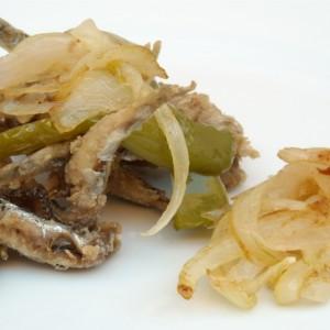 boquerones-fritos-con-cebolla
