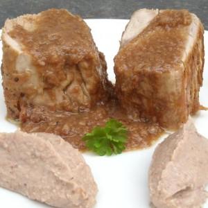 Solomillo de cerdo al ajo con puré de castañas
