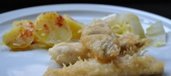 Bacalaitos en tempura con patatas