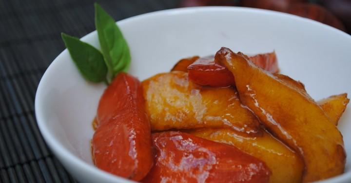 Melocotón con papaya caramelizados