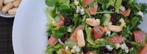 Ensalada de salmón y roquefort