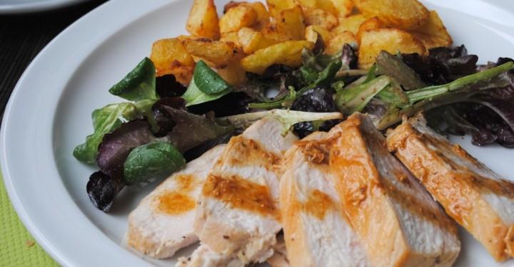 Pechugas de pollo asadas a la sartén con salsas